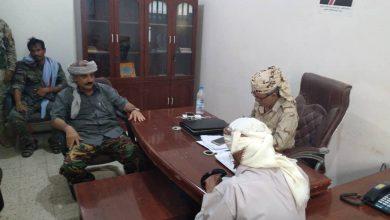 صورة رئيس انتقالي أبين يناقش مع قائد القوات الخاصة جهود حفظ أمن واستقرار المحافظة